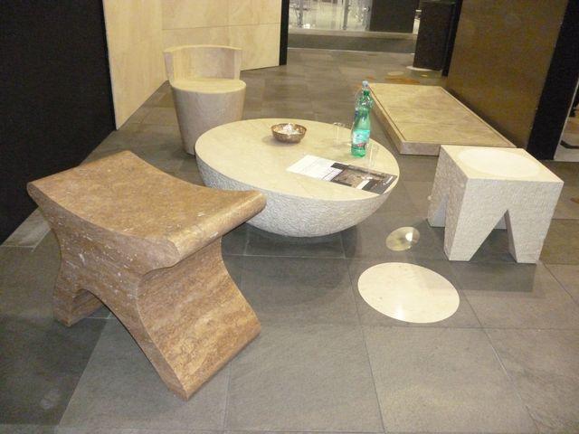Kamenný nábytek