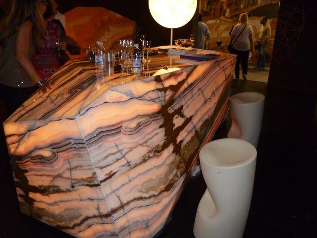 Onyxový stůl