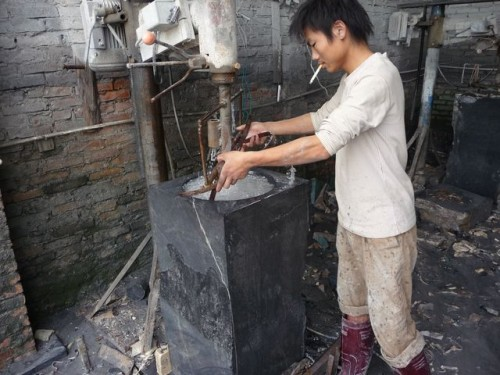 Výroba misky Vietnam