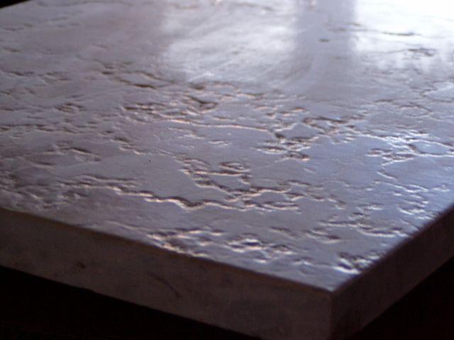 Kartáčovaný - většinou mramor