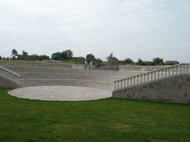 Amfiteátr 2