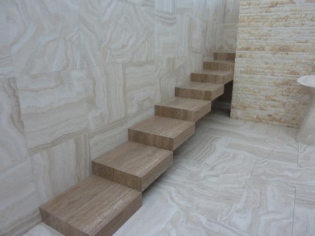 Travertin obklad schody